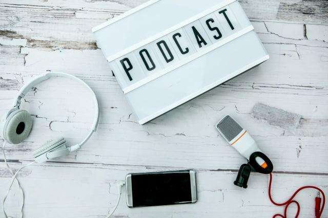 cach-kiem-tien-online-tai-nha-voi-podcast